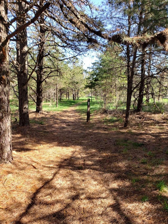 Big Flats Appalachian Trail Parking Lot - parking  | Photo 10 of 10 | Address: 2749 Shippensburg Rd, Biglerville, PA 17307, USA