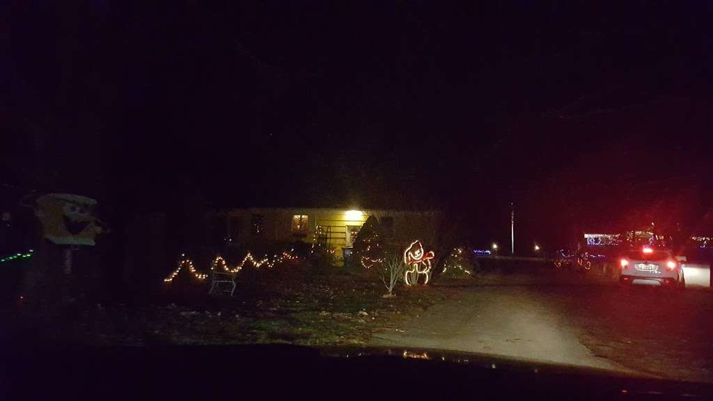 Christmas lights Drive Through - campground  | Photo 4 of 10 | Address: 2263 Vermont Ave, Toms River, NJ 08755, USA