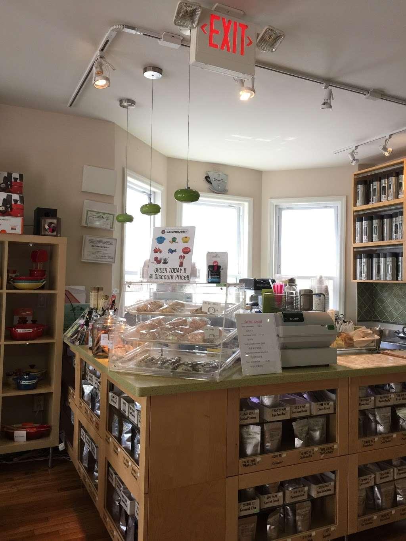 Green Cura - cafe    Photo 1 of 4   Address: 454 Broad Ave, Leonia, NJ 07605, USA   Phone: (201) 944-1248