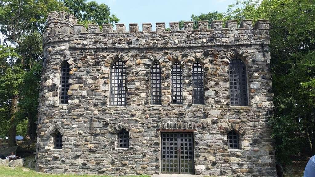Glen Island Park - park  | Photo 7 of 10 | Address: Weyman Ave, New Rochelle, NY 10805, USA | Phone: (914) 813-6720