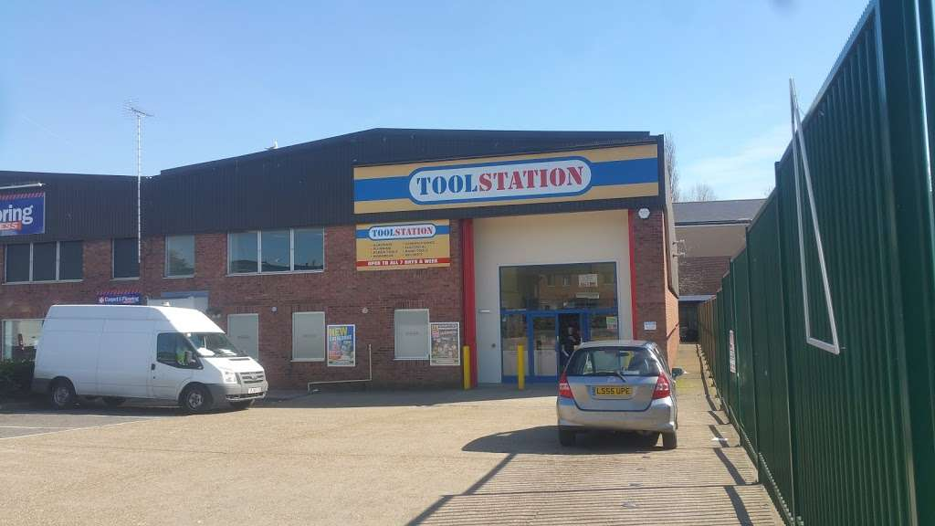 Toolstation Colindale - hardware store  | Photo 3 of 5 | Address: Unit 75, Capitol Industrial Park, Capitol Way, London NW9 0EW, UK | Phone: 0808 100 7211