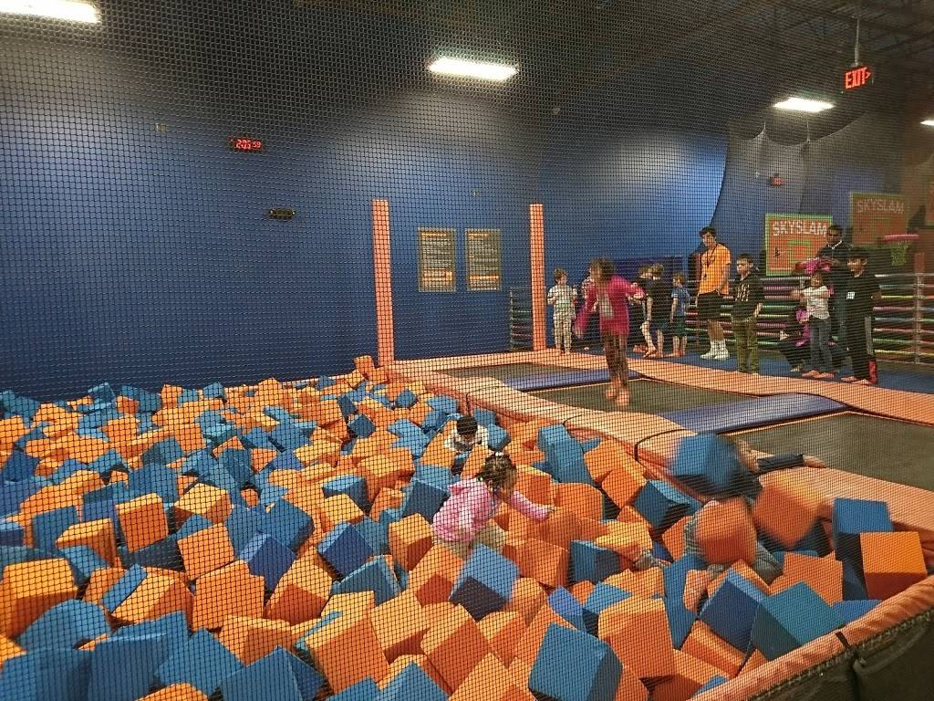 Sky Zone Trampoline Park - amusement park  | Photo 8 of 10 | Address: 1572-A, Highwoods Blvd, Greensboro, NC 27410, USA | Phone: (336) 550-1800
