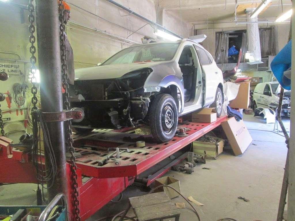 Miracle Collision - car repair  | Photo 4 of 10 | Address: 2776 E 14th St, Brooklyn, NY 11235, USA | Phone: (718) 743-4633