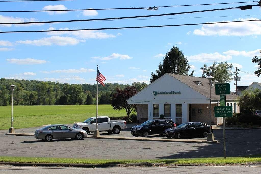 Lakeland Bank - bank  | Photo 3 of 4 | Address: 902 Main St, Stillwater Township, NJ 07875, USA | Phone: (973) 579-3300