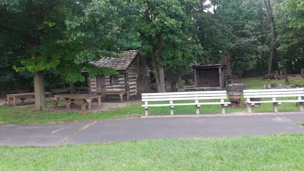 Ft Lee Soldiers Cabin - museum  | Photo 7 of 10 | Address: Fort Lee, NJ 07024, USA