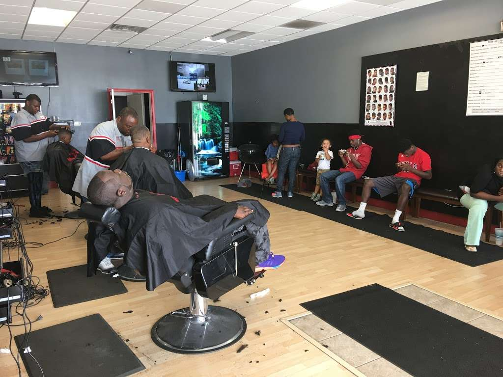 Hair Mechanx Barber & Beauty Salon LLC - hair care  | Photo 1 of 10 | Address: 8716 E 21st St, Indianapolis, IN 46219, USA | Phone: (317) 572-0340