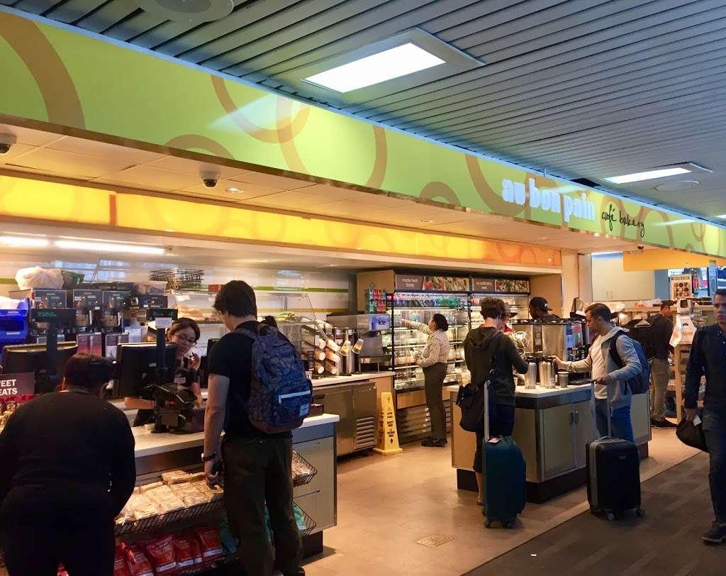 Au Bon Pain - cafe  | Photo 6 of 10 | Address: 1 Laguardia Airport, Flushing, NY 11371, USA | Phone: (718) 639-2516