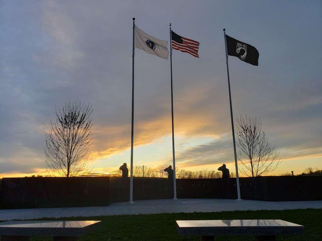 Seekonk Veterans Memorial Park - park    Photo 1 of 3   Address: 372 Newman Ave, Seekonk, MA 02771, USA