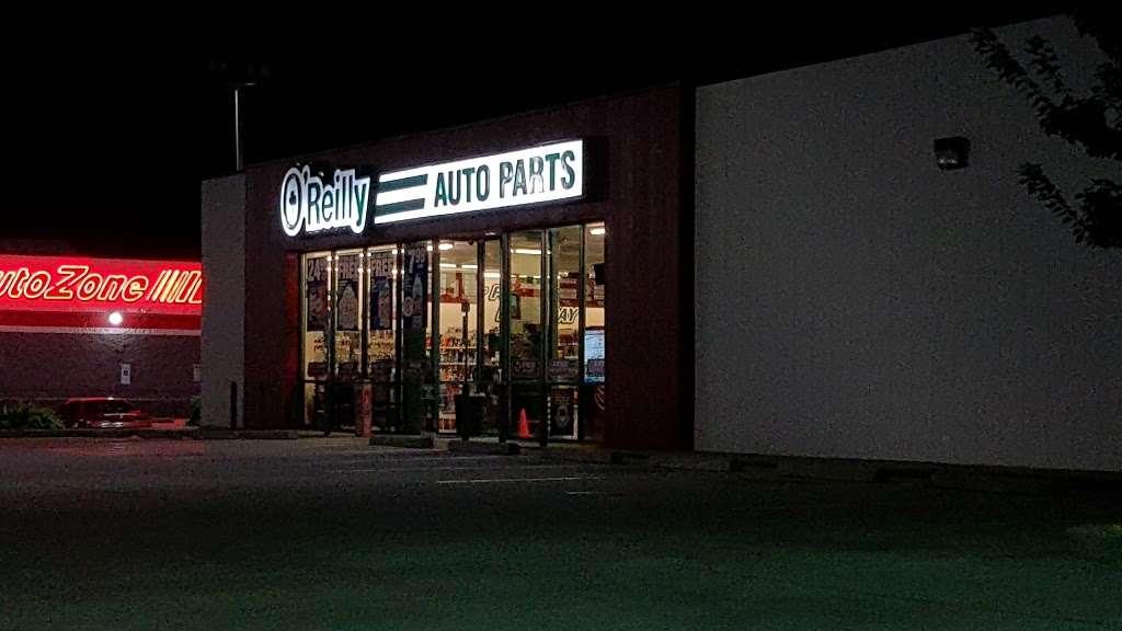 OReilly Auto Parts - electronics store  | Photo 7 of 10 | Address: 2113 Northwest Blvd, Newton, NC 28658, USA | Phone: (828) 465-0421
