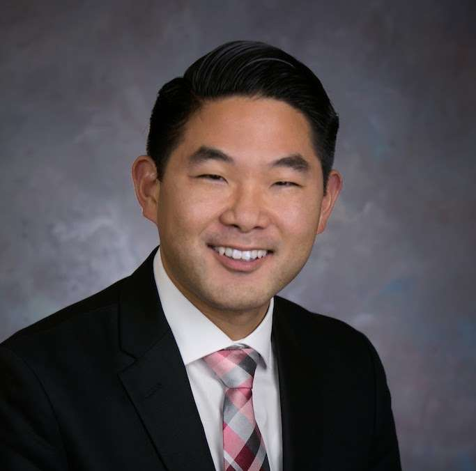 Long Island Spine Specialists, PC; Dr. Daniel E. Choi, M.D. - doctor  | Photo 5 of 5 | Address: 763 Larkfield Rd #201, Commack, NY 11725, USA | Phone: (631) 462-2225