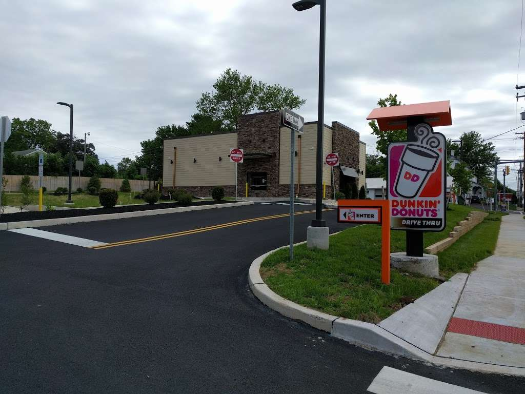 Dunkin Donuts - cafe  | Photo 5 of 10 | Address: 103 Baringer Ave, Silverdale, PA 18962, USA | Phone: (215) 257-2127