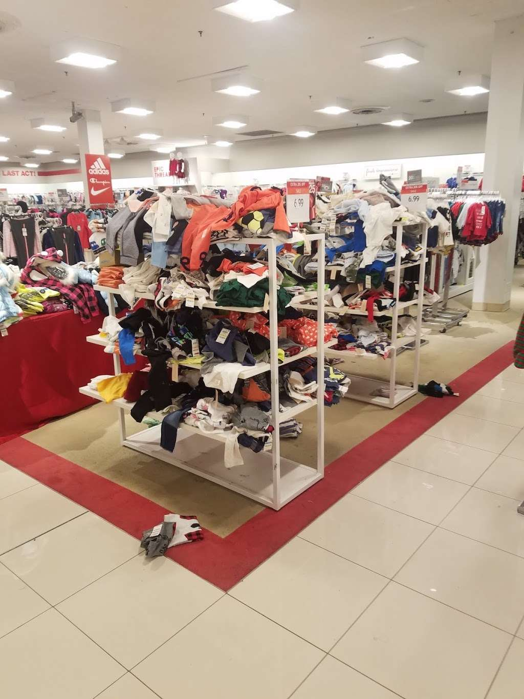 Macys Mens Store - clothing store  | Photo 3 of 9 | Address: 69 Green Acres Rd S, Valley Stream, NY 11581, USA | Phone: (516) 561-6100