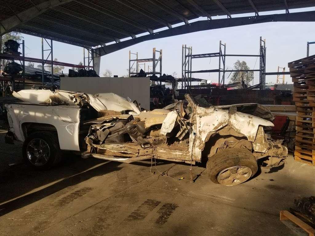 SRT AUTO WRECKING - car repair  | Photo 8 of 10 | Address: 15614 Arrow Route unit b, Fontana, CA 92335, USA | Phone: (909) 346-0004