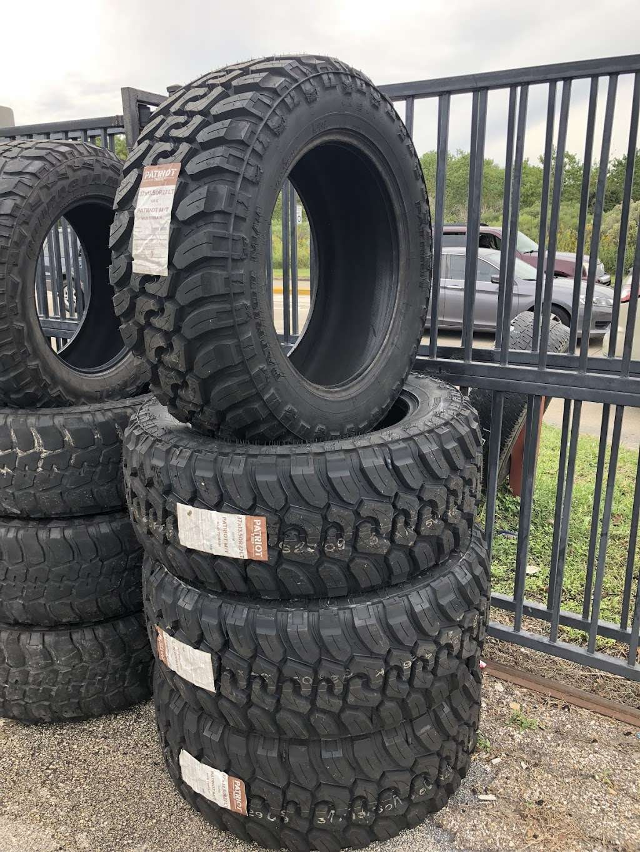 O.S.O Custom Off-Road Wheels & Tires - car repair  | Photo 5 of 10 | Address: 1333 Almeda Genoa Rd, Houston, TX 77047, USA | Phone: (281) 919-4164