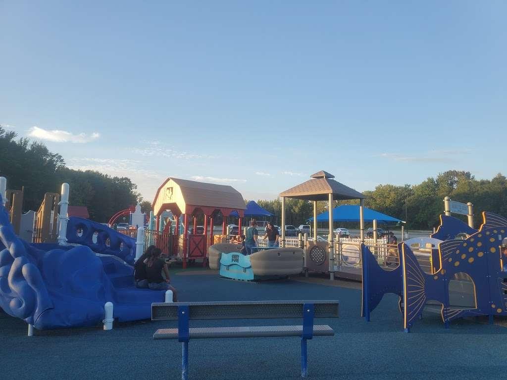 Delran Community Park - park  | Photo 1 of 10 | Address: 12 Hartford Rd, Delran, NJ 08075, USA