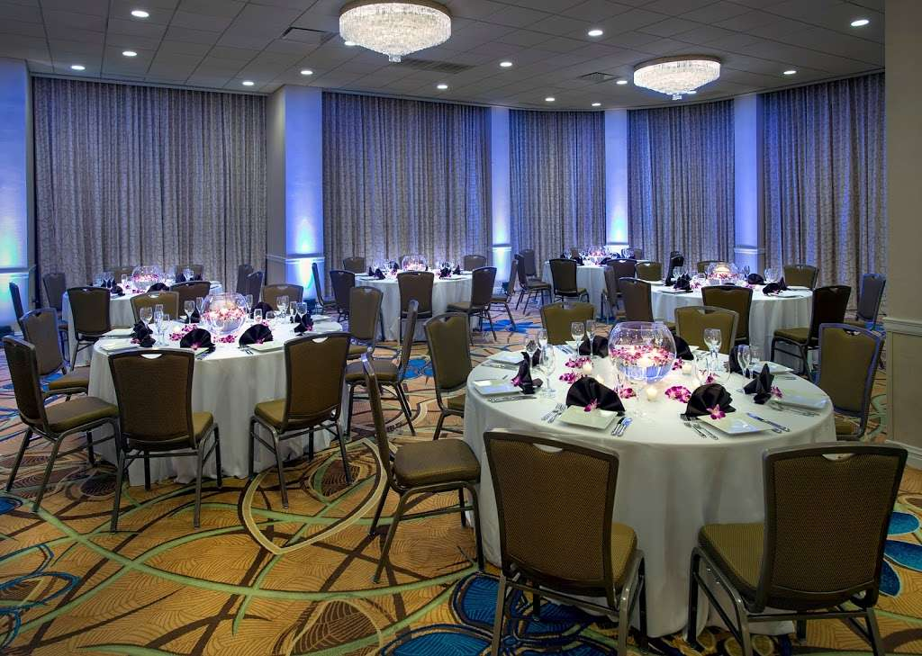 Teaneck Marriott at Glenpointe - lodging  | Photo 5 of 10 | Address: 100 Frank W Burr Blvd, Teaneck, NJ 07666, USA | Phone: (201) 836-0600