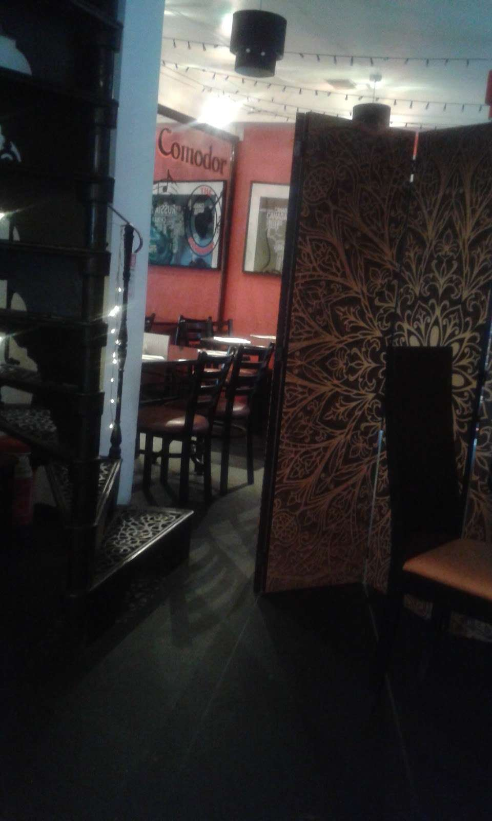 Pizza Comodor - restaurant  | Photo 5 of 6 | Address: 1 Market Square, Westerham TN16 1AN, UK | Phone: 01959 565600