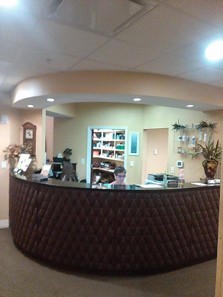 Pierce Clinic of Chiropractic - health  | Photo 8 of 10 | Address: 2201 62nd Ave N, St. Petersburg, FL 33702, USA | Phone: (727) 528-8700