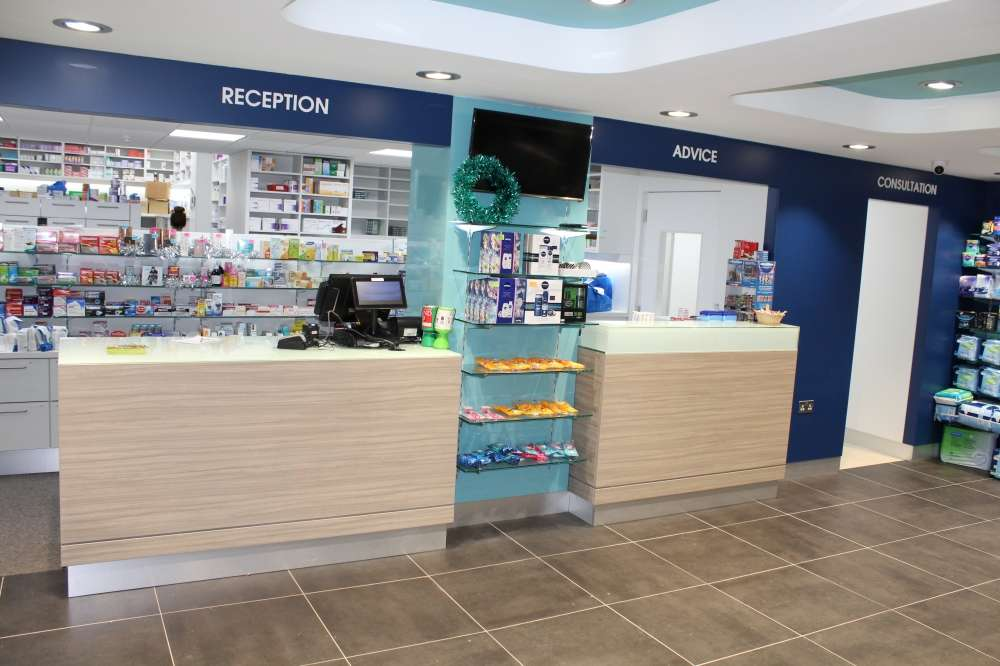 Oxlow Chemist - Alphega Pharmacy - pharmacy  | Photo 1 of 6 | Address: 217 Oxlow Ln, Dagenham RM10 7YA, UK | Phone: 020 8595 8527