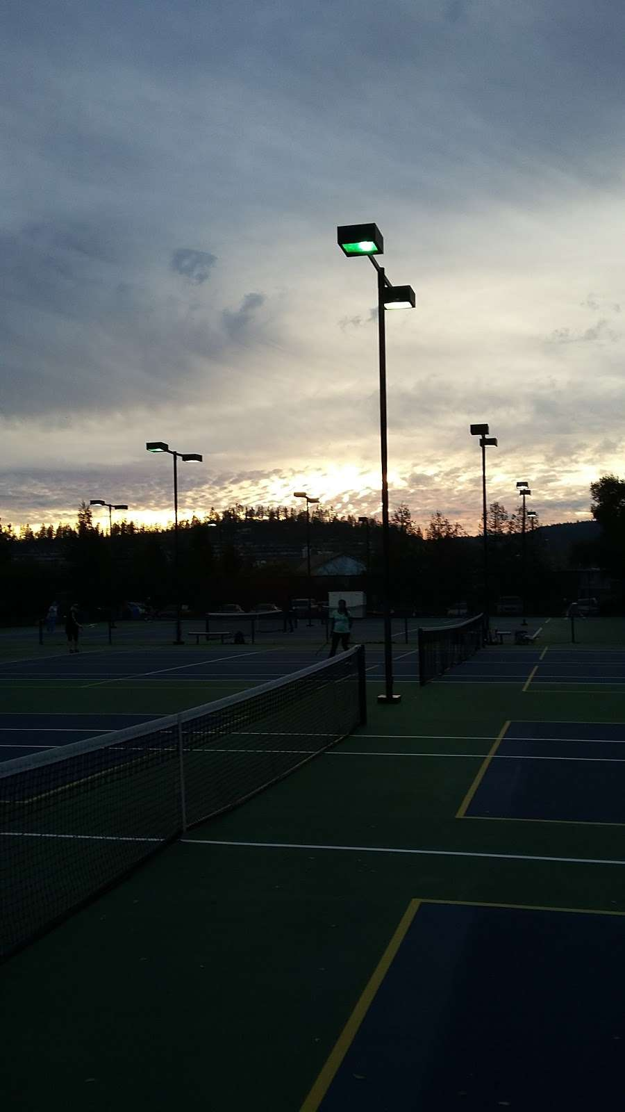 Sky Park Tennis - gym  | Photo 3 of 5 | Address: 912 Coast Range Dr, Scotts Valley, CA 95066, USA