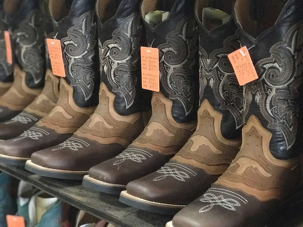 El Corral Western Boots - clothing store  | Photo 2 of 10 | Address: 11117 Harry Hines Blvd Suite 120, Dallas, TX 75229, USA | Phone: (469) 687-0082