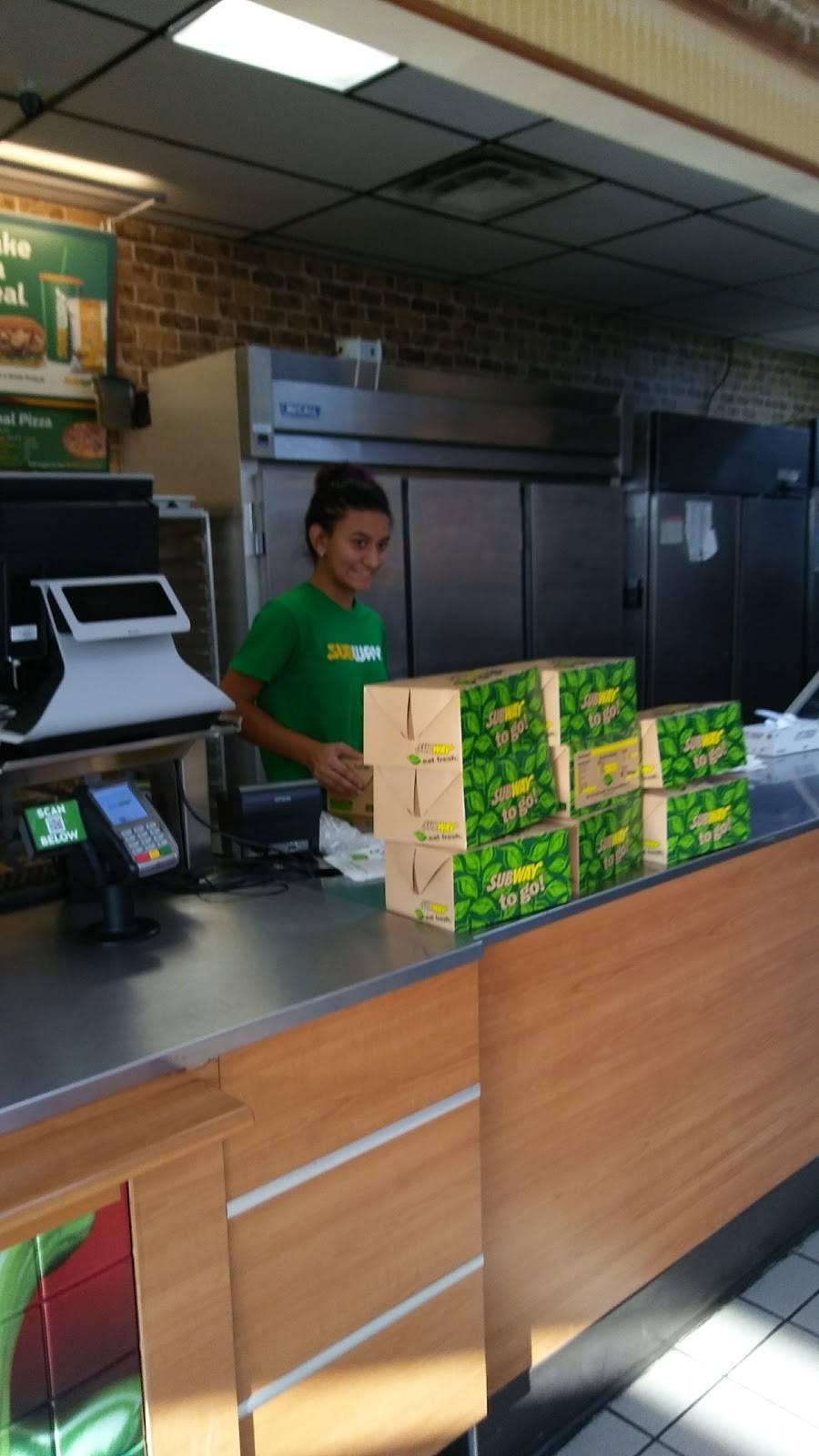 Subway - meal takeaway  | Photo 3 of 7 | Address: 4948 N Peoria Ave, Tulsa, OK 74126, USA | Phone: (918) 425-6209
