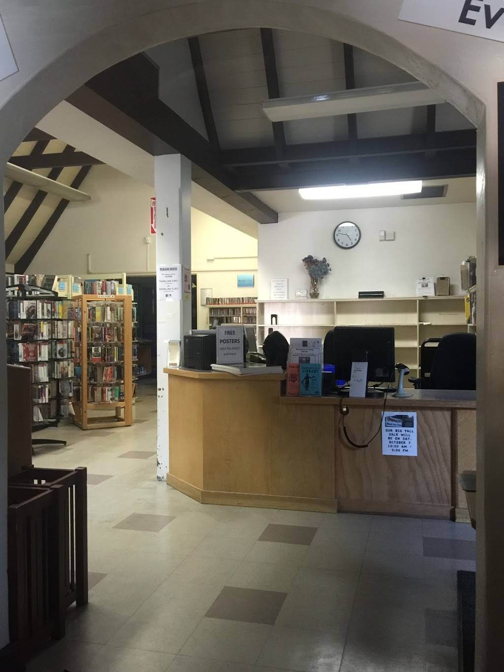 Oakland Public Library: Montclair Branch - library  | Photo 1 of 8 | Address: 1687 Mountain Blvd, Oakland, CA 94611, USA | Phone: (510) 482-7810