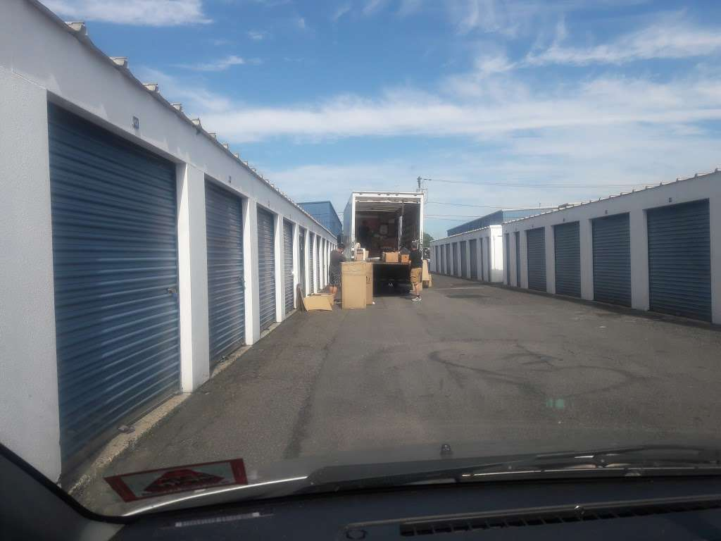US Storage Centers - moving company  | Photo 5 of 8 | Address: 51 Broad Ave, Fairview, NJ 07022, USA | Phone: (201) 308-1946