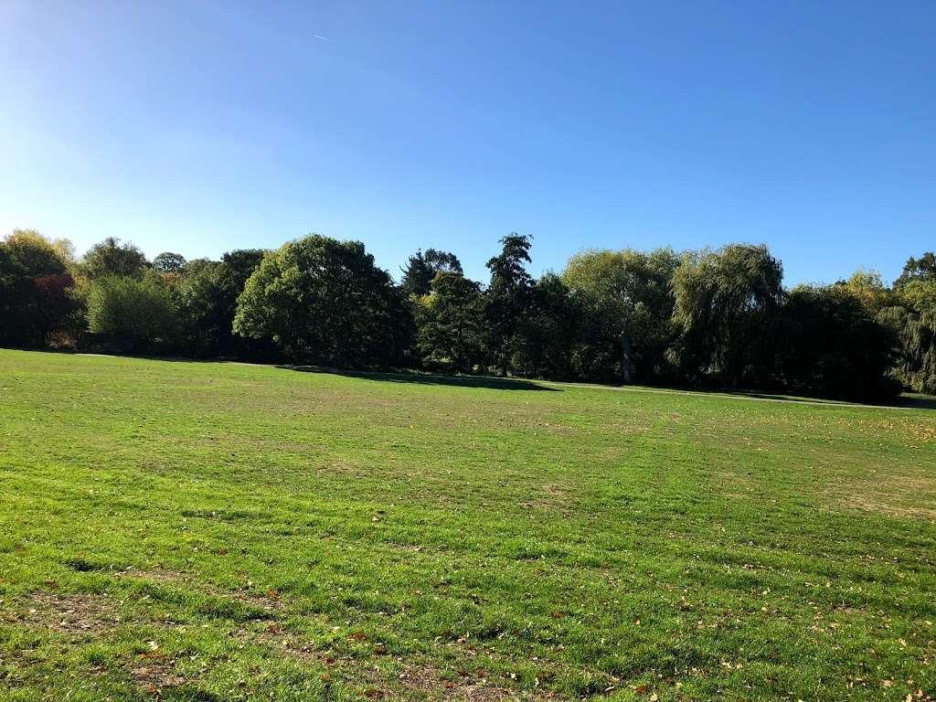 Arnos Park - park  | Photo 7 of 10 | Address: 120 Morton Way, Arnos Grove, London N14 7AL, UK