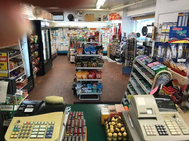 Cornerstone convenience store - convenience store  | Photo 2 of 2 | Address: 286 Farragut Ave, Hastings-On-Hudson, NY 10706, USA | Phone: (914) 478-1721