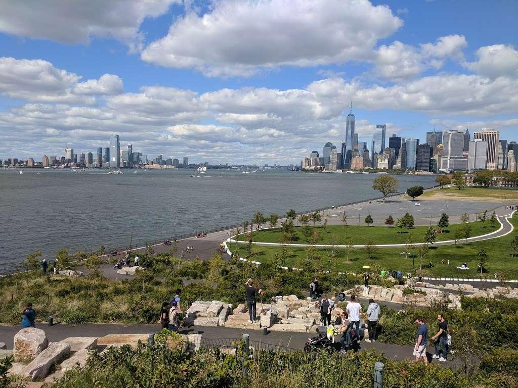 The Hills - park  | Photo 9 of 10 | Address: 870-898 Gresham Rd, New York, NY 10004, USA