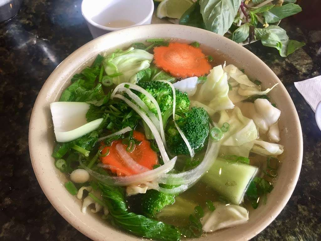 New Pho 999 - restaurant  | Photo 5 of 10 | Address: 12905 Sherman Way, North Hollywood, CA 91605, USA | Phone: (818) 982-9370