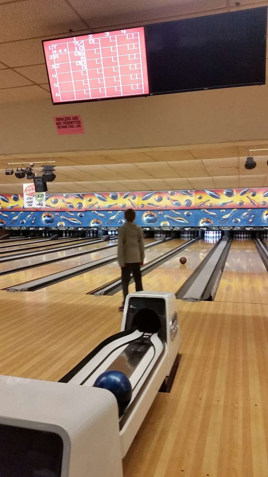 Hudson Lanes - bowling alley  | Photo 6 of 10 | Address: 1 Garfield Ave, Jersey City, NJ 07305, USA | Phone: (201) 432-5900