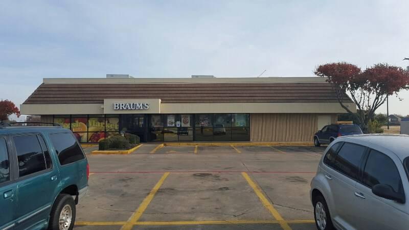 Braums Ice Cream & Burger Restaurant - restaurant  | Photo 4 of 10 | Address: 2802 Lavon Dr, Garland, TX 75040, USA | Phone: (972) 495-2221
