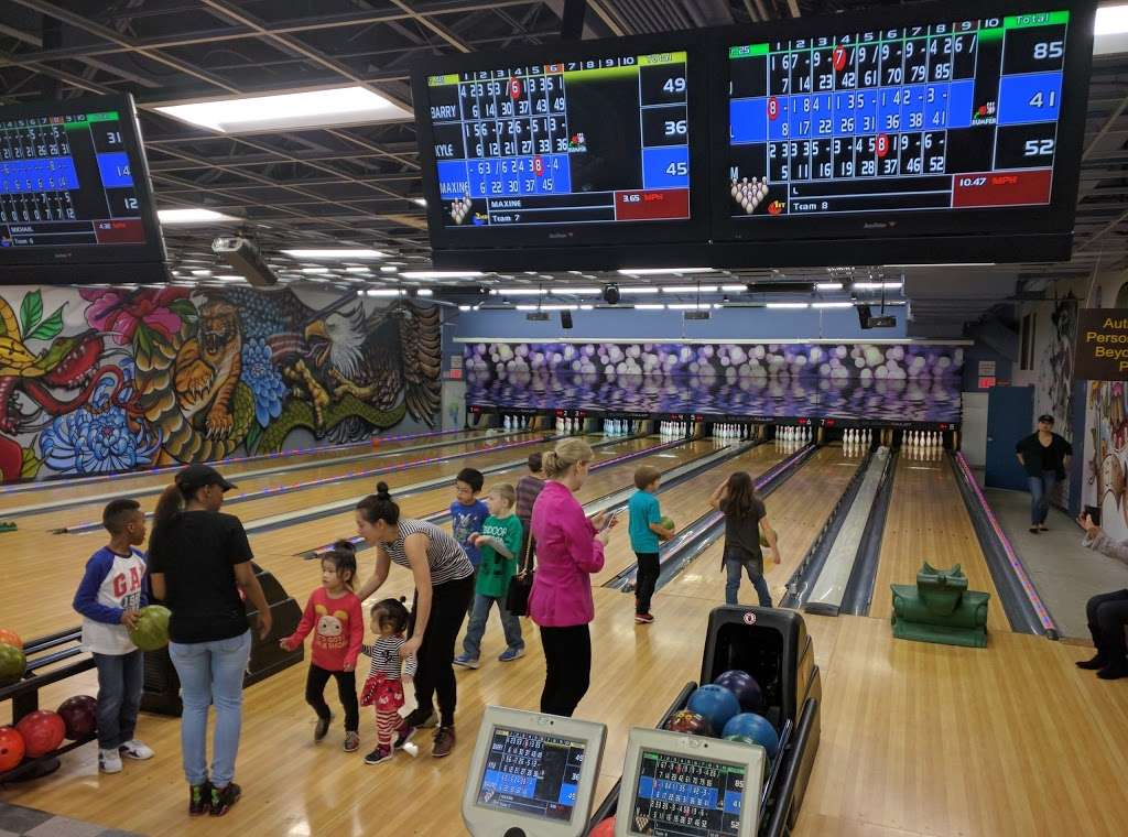 Lane 8 Bowling Center - bowling alley    Photo 9 of 10   Address: 124 Wainwright Dr, Brooklyn, NY 11252, USA   Phone: (718) 630-4440