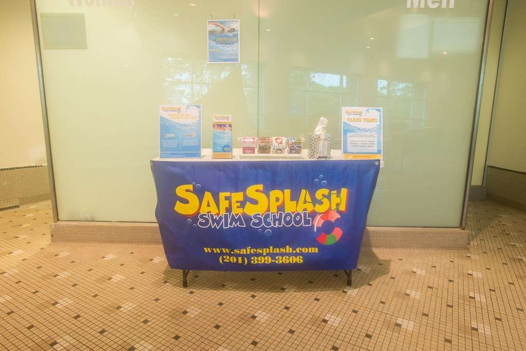 SafeSplash Swim School - Secaucus - health  | Photo 4 of 6 | Address: 485 Harmon Meadow Blvd, Secaucus, NJ 07094, USA | Phone: (201) 289-8640