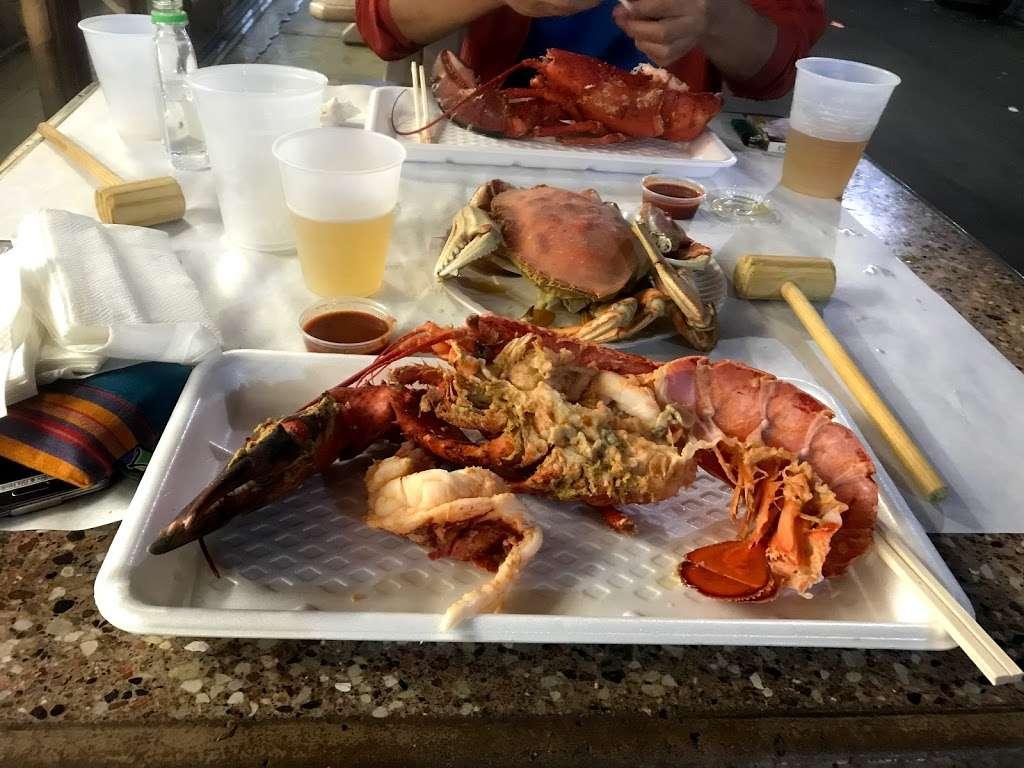 Fun Fish Market - restaurant  | Photo 2 of 10 | Address: 123 International Boardwalk, Redondo Beach, CA 90277, USA | Phone: (310) 374-4277