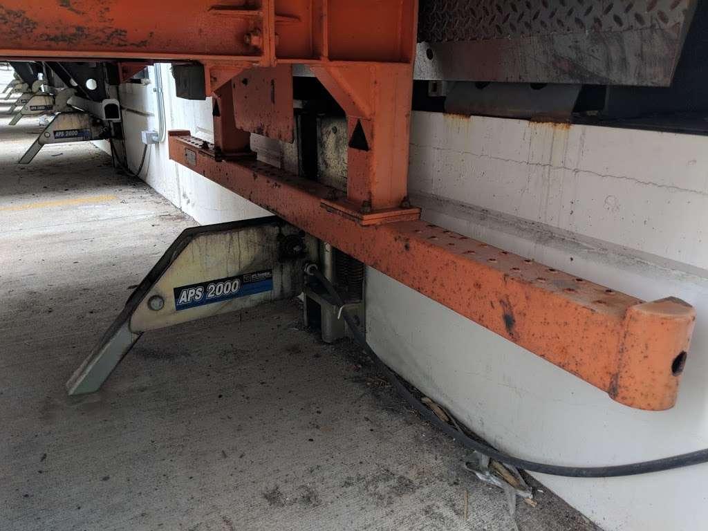Amazon Cross-Dock Facility - MDW2 - storage    Photo 8 of 10   Address: 250 Emerald Dr, Joliet, IL 60433, USA   Phone: (866) 495-8567