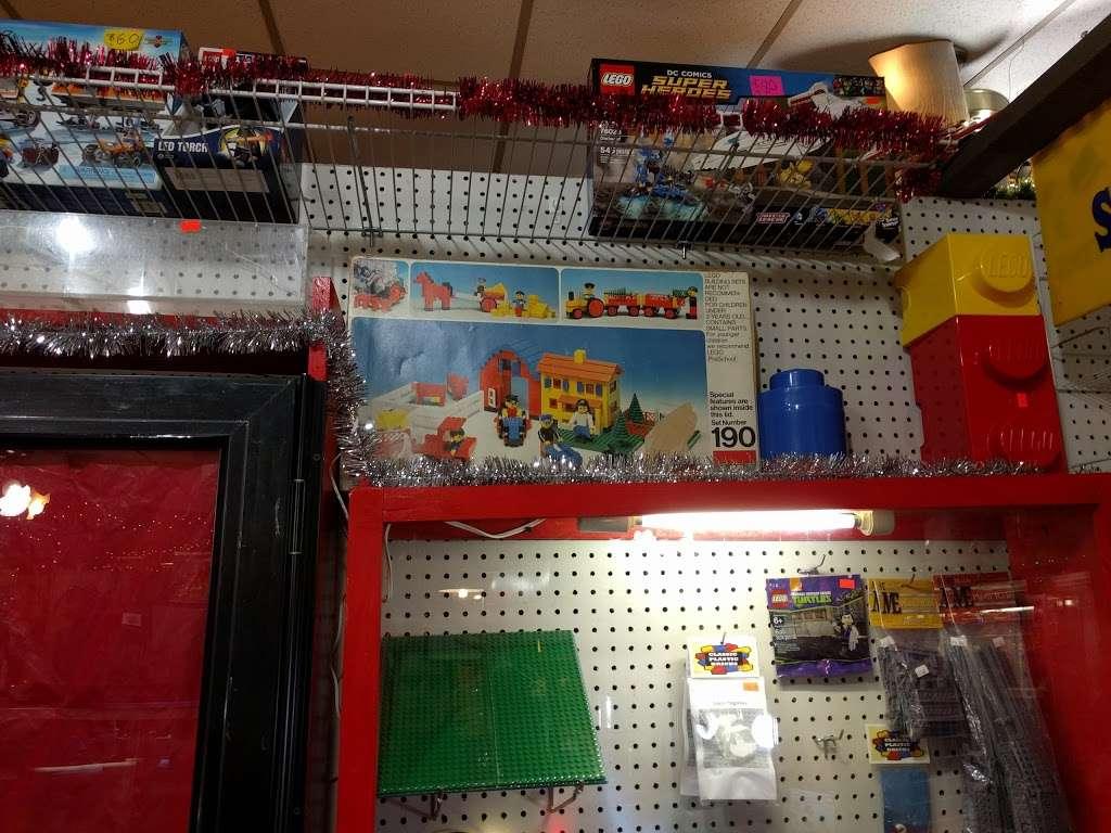 CLASSIC PLASTIC BRICKS - store  | Photo 7 of 10 | Address: 3720 Maryland Ave, Ellicott City, MD 21043, USA | Phone: (410) 941-9073