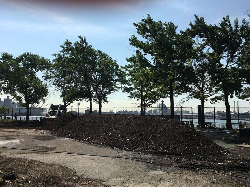 East River Park Compost Yard - park  | Photo 4 of 9 | Address: New York, NY 10002, USA
