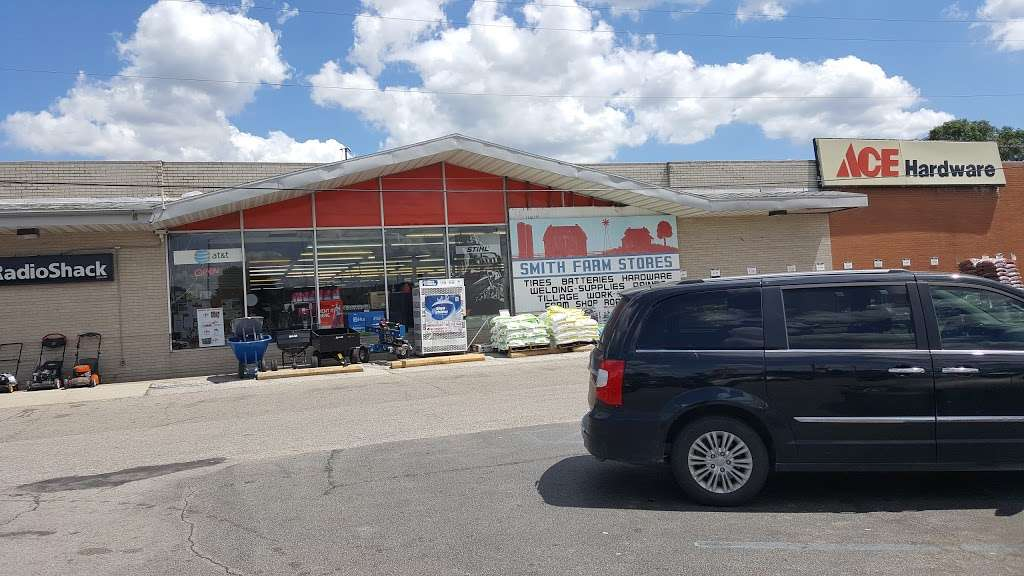 Smith Farm Stores Inc. - hardware store  | Photo 7 of 10 | Address: 1002 S Heaton St, Knox, IN 46534, USA | Phone: (574) 772-5220