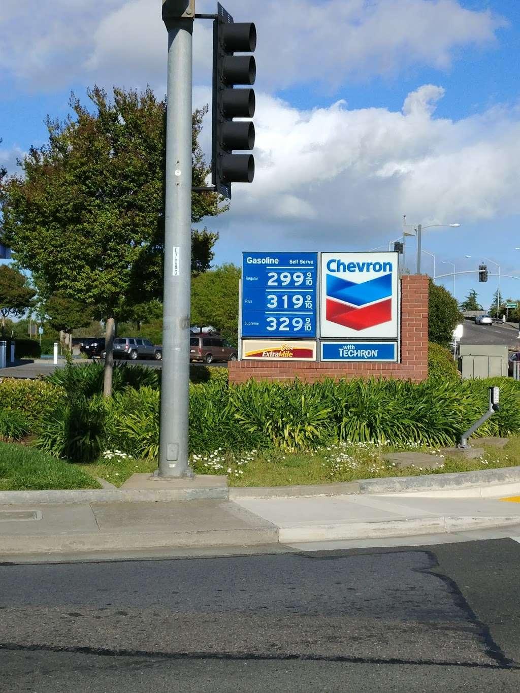 Chevron - gas station  | Photo 3 of 8 | Address: 2990 Travis Blvd, Fairfield, CA 94533, USA | Phone: (707) 427-2990