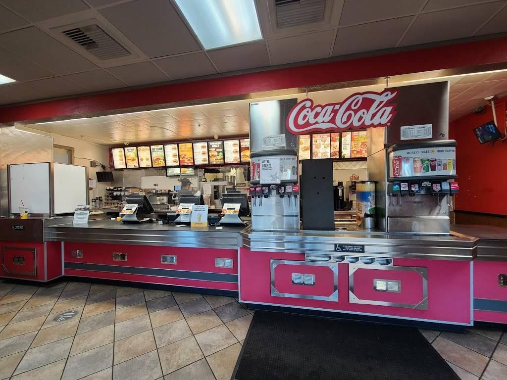 Carls Jr. - restaurant  | Photo 2 of 9 | Address: 28619 S Western Ave, Rancho Palos Verdes, CA 90275, USA | Phone: (310) 833-4130