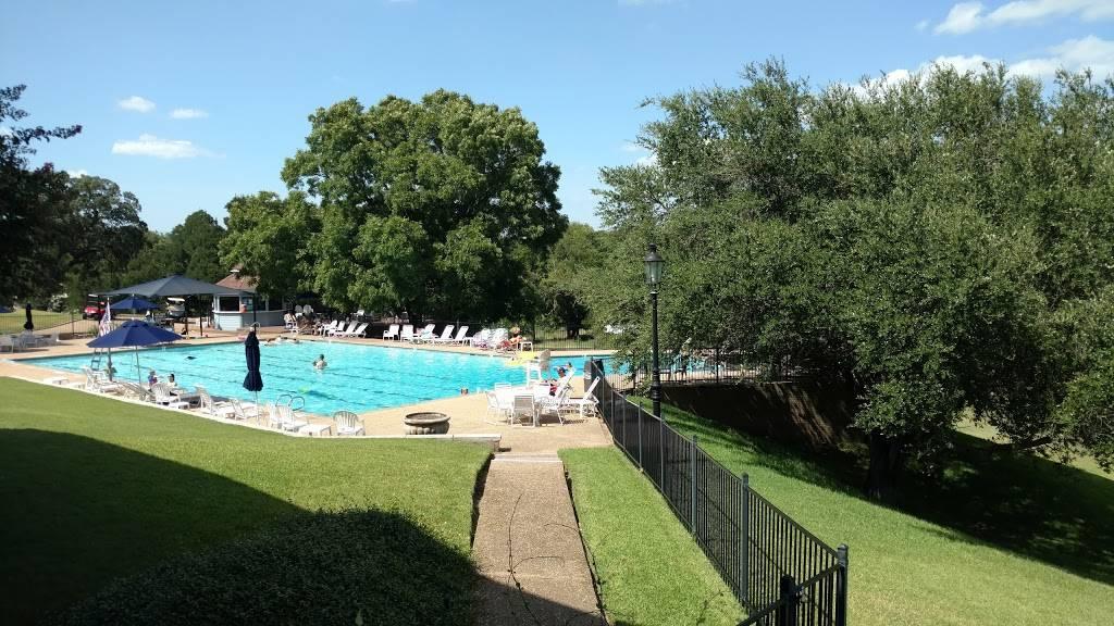 Onion Creek Club - restaurant  | Photo 2 of 10 | Address: 2510 Onion Creek Pkwy, Austin, TX 78747, USA | Phone: (512) 282-2150