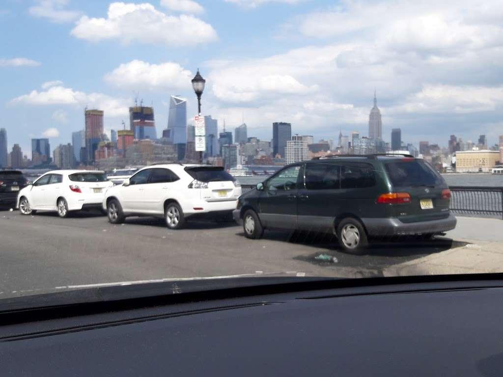 Elysian Park - park  | Photo 10 of 10 | Address: 1001 Hudson St, Hoboken, NJ 07030, USA | Phone: (201) 420-2012