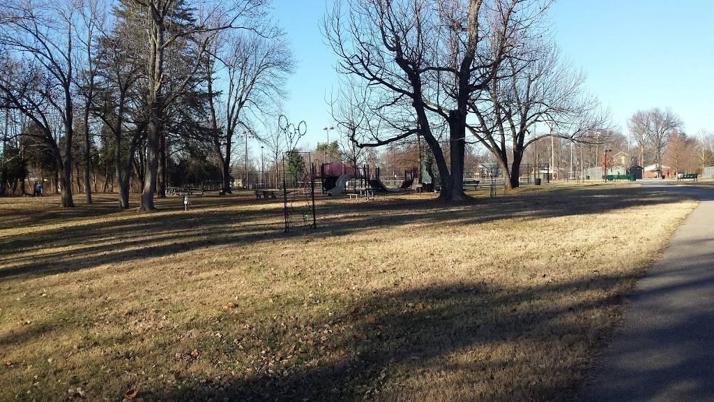 Highview Park - park  | Photo 3 of 10 | Address: 7201 Outer Loop, Louisville, KY 40228, USA | Phone: (502) 601-2318