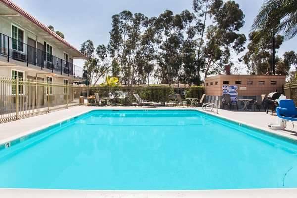 Super 8 by Wyndham Redlands/San Bernardino - lodging  | Photo 1 of 9 | Address: 1160 Arizona St, Redlands, CA 92374, USA | Phone: (909) 335-1612