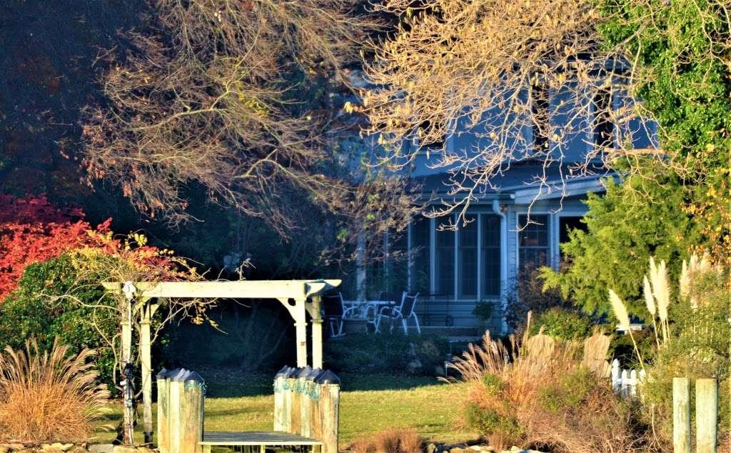 Back Creek Inn - lodging  | Photo 9 of 10 | Address: 210 Alexander St, Solomons, MD 20688, USA | Phone: (410) 326-2022