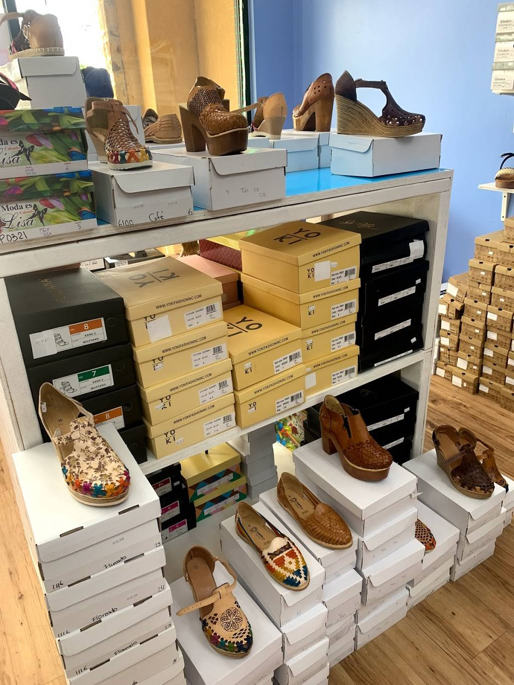 Boots & Shoes 4 You - shoe store    Photo 1 of 9   Address: 4207 W Illinois Ave #100, Dallas, TX 75211, USA   Phone: (469) 941-4043