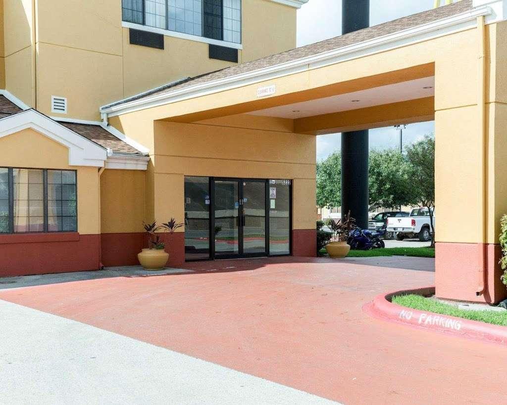 Quality Inn - lodging    Photo 6 of 10   Address: 5222 Interstate 10 E, Baytown, TX 77521, USA   Phone: (281) 421-7200